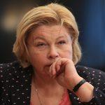 Петербургское «Яблоко» посоветовало Елене Драпеко искать «баннерных вандалов» среди недовольных горожан — И связали ее с Щербаковой