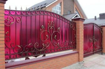 Кованный забор — элегантная надежность