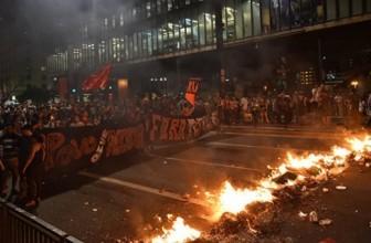 СМИ: В Бразилии проходят протесты против импичмента Дилмы Руссефф — Активисты вступили в столкновения с полицией
