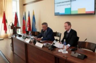 Виктор Томенко: Мы будем развивать практику работы представителей научно-образовательного комплекса в разных структурах при органах власти и учреждениях Алтайского края