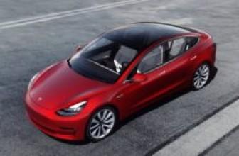 Tesla анонсировала дебют новой версии седана Model 3 Performance
