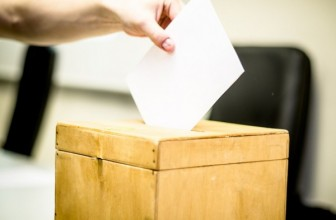 Петербуржцы получили почти 40 тысяч открепительных удостоверений — На выборы в ЗакС и Госдуму
