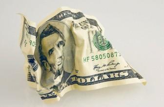 Доллар обновил июньский минимум
